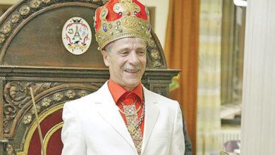 Photo of Gheorghe Visu la 68 de ani. Actorul arată ca la 30 de ani! Imagini recente cu celebrul actor