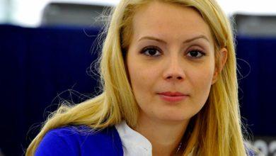 Photo of Cu cine s-a iubit soția lui Victor Ponta in tinerețe. Dezvăluirea a fost făcută de Mihai Morar