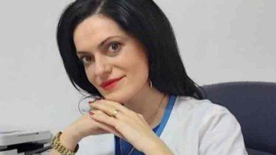 """Photo of Vaduva lui Adrian Pintea, printre calatorii avionului sositi din Italia. Ce a patit cand a ajuns pe Aeroportul din Craiova: """"Rudele s-au speriat ingrozitor…"""""""