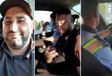 "Photo of Revotator! Un barbat s-a filmat in masina politiei: ""Pe stanga acolo, boss-ule, ma lasi"""