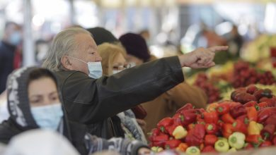 """Photo of Mesajul unui cercetător pe tema închiderii piețelor: """"Guvernul avantajează fățiș marile rețele de supermarketuri"""""""
