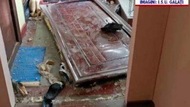 """Photo of Romania,Tara lui Papura Voda. Explozie intr-un bloc dupa ce un """"meserias"""" a taiat teava de gaze crezand ca e cea de apa"""
