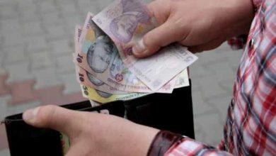 Photo of Care sunt angajații români care ar urma să fie scutiți de plata impozitului. Salariul minim va fi de 3.000 lei – proiect