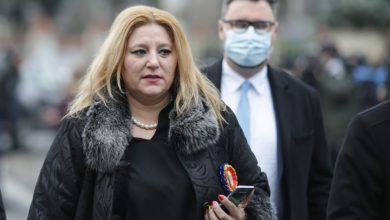 Photo of Diana Șoșoacă are o boală gravă, ținută în secret. Ce s-a aflat despre senatoarea de la AUR (exclusiv)