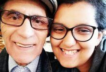 Photo of Ea are 28 de ani, el are 80, dar se iubesc ca-n filme! Povestea care a facut inconjurul lumii